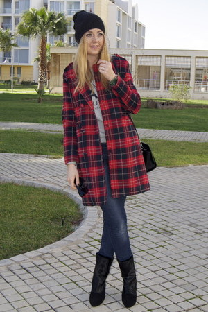 red tartan Jessica Buurman coat - black fur Jessica Buurman boots