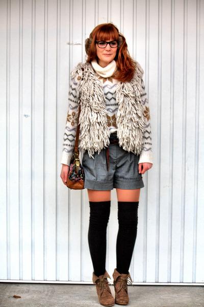 Zara boots - Zara jacket - vintage sweater - Pimkie shorts - Zara socks
