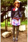 Pink-seventies-pattern-skirt-blue-osmose-shoes-gray-naf-naf-shirt