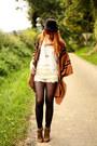 Chicwish-shorts-h-m-cape-etam-top-zara-wedges