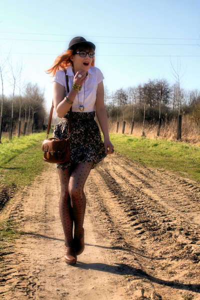 vintage hat - H&M shirt - H&M skirt - Pimkie clogs