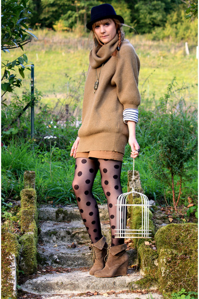 Zara boots - united colors of benetton sweater - H&M tights