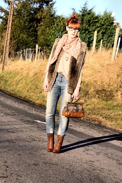 Zara boots - Pimkie jeans - Zara scarf - Zara cardigan
