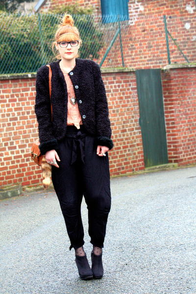 vintage coat - Zara pants - H&M belt - Zara shirt