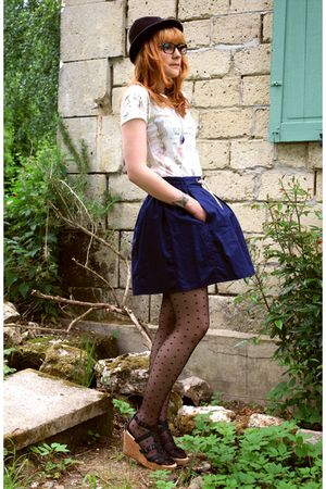 blue Zara skirt - white Zara t-shirt - black H&M tights