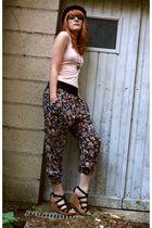 h&m basic t-shirt - Zara pants