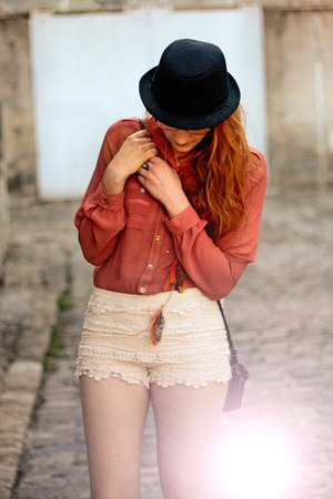 Loft Designe by shirt - Zara boots - Chicwish shorts