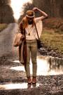 New-look-boots-vintage-bag-h-m-pants-h-m-top