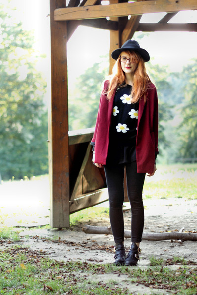 floral print choiescom sweater - cut out choiescom boots - black choiescom hat