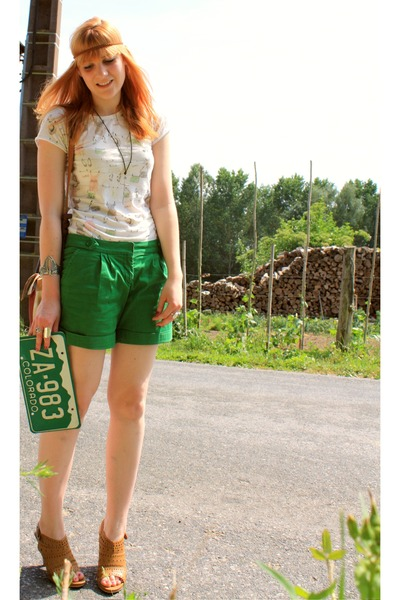 H&M shorts - Zara t-shirt