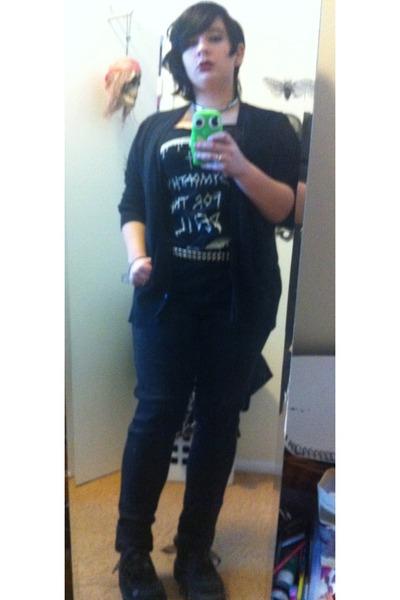 H&M jeans - Actual Pain shirt