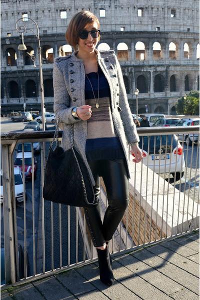 Zara coat - Zara boots - H&M sweater - Stella Mc Cartney bag - TANGRAM pants