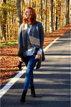 Zara boots - pull&bear jeans - Stradivarius shirt