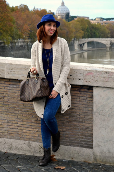 H&M hat - Stradivarius boots - pull&bear jeans - Louis Vuitton bag