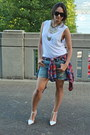 Blue-denim-gap-shorts-ruby-red-flannel-topshop-t-shirt-white-cotton-tna-top