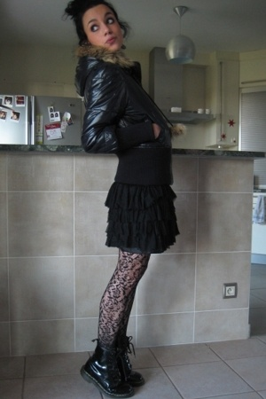 Roxy coat - H&amp;M skirt - Dr Martens shoes
