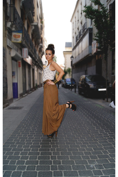 Long Skirt Clogs - How to Wear and Where to Buy | Chictopia