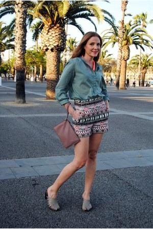 ecco bag - Zara shorts - Mango blouse - Soriano clogs