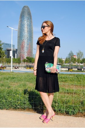 Escorpion dress - &Other stories bag - Ray Ban sunglasses - Nine West heels
