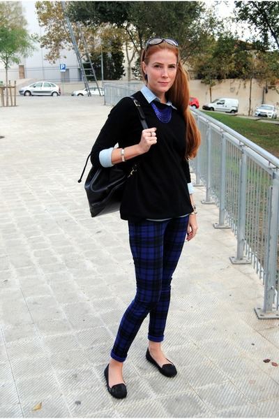 Lefties blouse - Zara sweater - Moschino bag - Mango pants - Bershka loafers