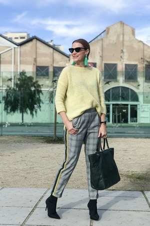 Carolina Herrera bag - Zara boots - Zara sweater - Mango sunglasses - Zara pants