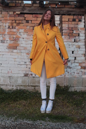 yellow united colors of benetton coat - white Jeffrey Campbell Play sneakers