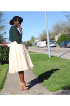 peach Laurence Kazar skirt - white skirt - forest green sweater