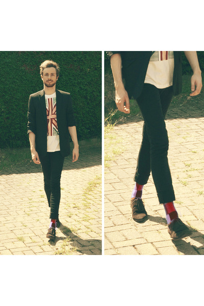 ruby red H&M socks - black pull&bear jeans - white H&M t-shirt