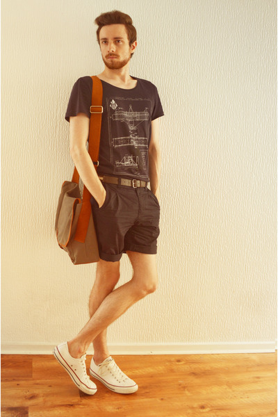 white Converse shoes - army green veja bag - navy Zara shorts - navy H&M t-shirt