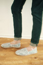 White-espadrilles-h-m-shoes-navy-skinny-jeans-hollister-jeans
