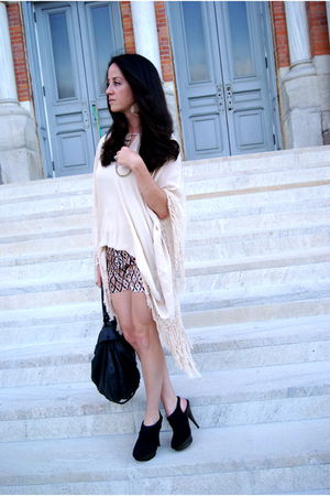 beige Zara dress - black Elizabeth and James shoes - gold Low Luv Erin Wasson ne