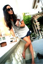 blue sequined mini gryphon skirt - black aj morgan sunglasses