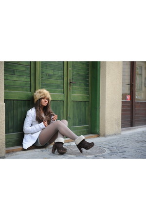 dark brown Bershka shoes - beige H&M hat - white Bershka jacket