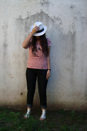 accessories - Zara t-shirt - Awada jeans - Natacha shoes