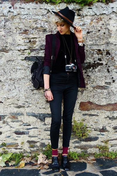 black felt thrifted hat - maroon second hand blazer