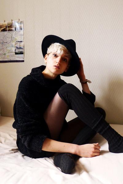 black wool second hand jumper - black felt thrifted hat - black thrifted socks