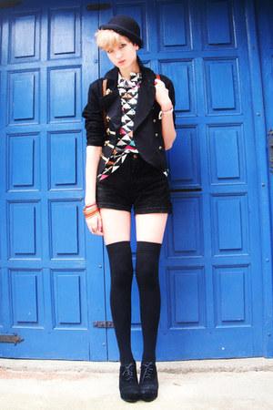 thrifted vintage shirt - black H&M hat - black H&M jacket
