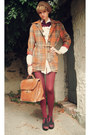 Carrot-orange-plaid-secondhand-coat-camel-beret-secondhand-hat