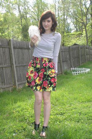 gray top - black Dollhouse shoes - black skirt