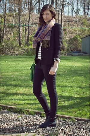 black riding Old Navy pants - black chelsea H&M boots - black thrifted blazer