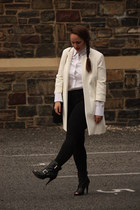black ankle boots - white Zara jacket - black leggings - black chain bag