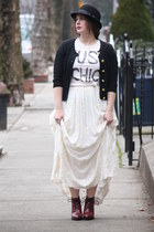 ivory embroidered Zara skirt - maroon lace-up Topshop boots