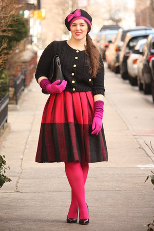 hot pink wool vintage skirt - bubble gum beret Topshop hat - hot pink HUE tights