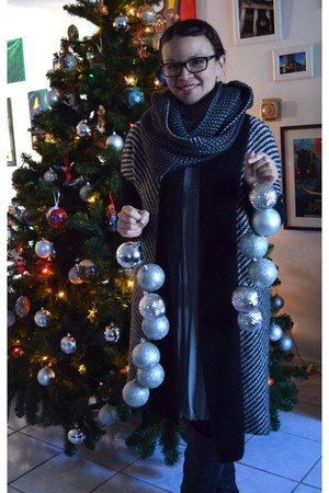 Forever 21 coat - Forever 21 scarf