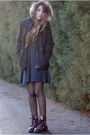 Black-floral-dr-martens-boots-gray-circle-urban-outfitters-dress