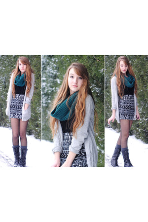 teal knit infinity Eddie Bauer scarf - black lace-up Forever 21 boots