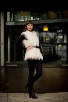 faux fur Sportsgirl vest - skinny jeans vince jeans - asos bracelet