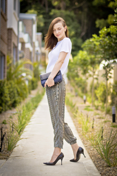 Zara pants - cotton t Witchery shirt - pointy toe D&G heels