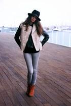 beige Mango vest - burnt orange Parisian shoes - silver Zara jeans