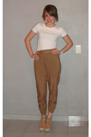 camel high-waisted DIY pants - camel shoe republic LA sandals
